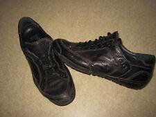 Chaussures TBS en cuir noires pointure 36