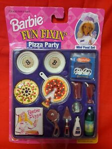 Barbie FUN FIXIN' PIZZA PARTY. never opened
