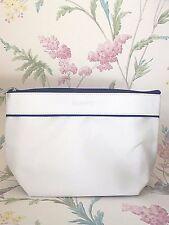 Elemis White Branded Beauty / Make up / Cosmetic Bag. Blue Piping Fast Delivery!