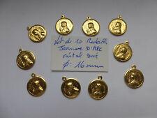 lot de 10 medailles JEANNE D'ARC et son épée  métal doré sans anneaux