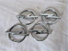 Aus einer Auflösung 2x Opel 90 538 267 & 2x 90 468 696 Embleme / Schriftzüge