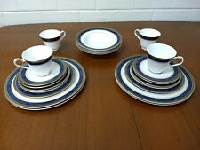Royal Doulton Stanwyck Gold H5212 - 24 Piece English Fine Bone China Dinner Set