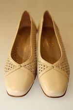 PETER SHEPPARD  Women Leather Weave Loafer Size C39.5 beige in colour new box