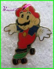 """Pin's Super MARIO """" Mario sur un Skateboard  #G5"""