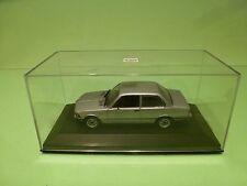 MINICHAMPS BMW 323i E21 METALLIC GREY / SILVER1:43 - EXCELLENT IN BOX