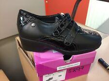 Ladies Black Leather Shoes Size 2.5