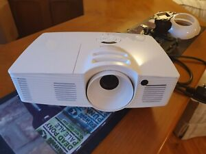 Optoma HD26 DLP 1080P FULL 3D HOME CINEMA Gaming Projector- With Ceiling fixture