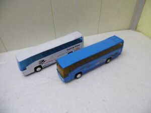 2 Reisebusse - Welly