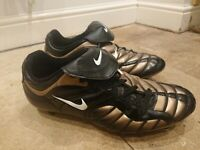 Mens Nike Total 90 2001 SG Metal Studs Football Boots UK Size 12