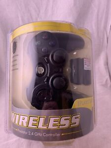 Pelican Predator Wireless 2.4 GHz PlayStation 2 (PS2) Controller - New in Box.