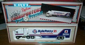 KYLE PETTY #21 7-11 WHITE ROSE ERTL 1/64 DIECAST TRANSPORTER