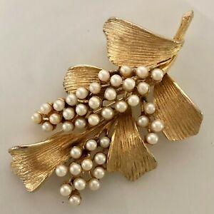 Artful Leaf - Vintage Art/ Art Mode Faux Pearl Pin/ Brooch