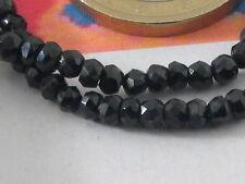1 filo di  pietre  in spinello nero sfaccettato di 3x2,5mm lungo 33,5 cm