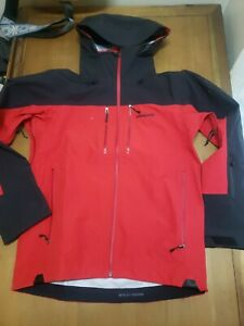 Patagonia 3L Ski Patrol Jacket mens size Small. Red & black.Gortex. style 29720