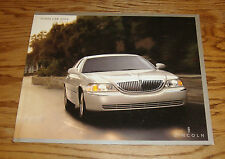 2004 Lincoln Town Car Deluxe Sales Brochure 04