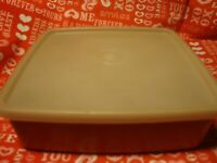 Tupperware Vintage Square-A-Way Sandwich Keeper 1458-4  w/Lid  Made In USA   372