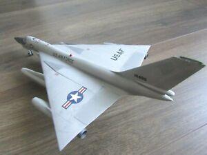 """B-58B HUSTLER """"USAF"""" PRO BUILT REVELL 1/91"""