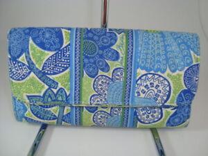 "Vera Bradley Retired ""Doodle Daisy"" Gallery Wallet Trifold Clutch"