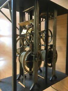 sehr altes intaktes Uhrwerk einer großen Comtoise Pendeluhr