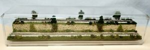 """Z SCALE 16"""" 2-LEVEL TRACK -SUMMER SCENE-DISPLAY CASE-FOR ANY Z TRAIN LM1"""