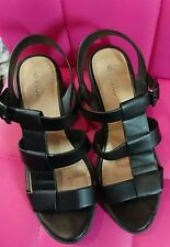 LADIES SIZE 6 CHUNKY SANDALS
