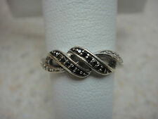 925 STERLING SILVER ROUND CUT WHITE AND BLACK DIAMOND BAND RING W/ SWIRL DESIGN