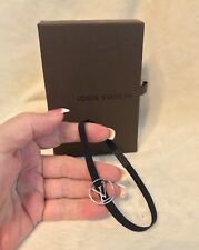 NEW IN BOX LOUIS VUITTON Monogram Document Letter Elastic Band Holder, Silver