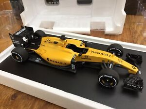 SPARK 7711782398 RENAULT RS16 model F1 SHOWCAR K Magnussen / J Palmer 2016 1:18