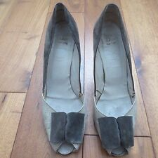 Vintage DIOR Women's Grey Suede Heels with Bow Size 39.5, UK Size 6 - Gorgeous !