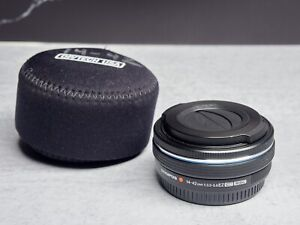 Olympus 14-42mm EZ Lens with Automatic Cap and Case