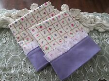 COUNTRY COTTAGE SET OF 2 COUNTRY PINK & LILAC SPRING FLOWERS & LACE PILLOWCASES
