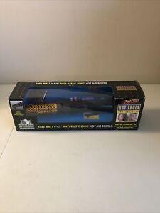 """Hot Tools Professional 1000 Watt 1-1/2"""" Anti-Static Ionic Hot Air Brush 1074 NEW"""