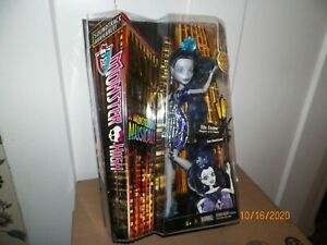 1 MONSTER HIGH BOO YORK GALA GHOULFRIENDS ELLE EEDEE DOLL Daughter of the Robots