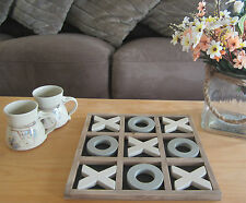 SHABBY RUSTIC VINTAGE STYLE 30cm WOODEN NOUGHTS & CROSSES GAME Tic Tac Toe