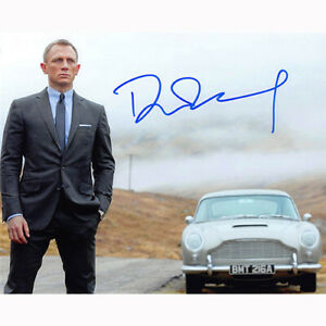 Daniel Craig - James Bond (84843) - Autographed In Person 8x10 w/ COA
