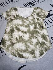 BNWT Women's HOLLISTER Easy T-Shirt Size S olive tie-dye
