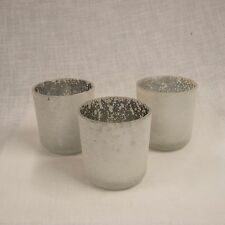 1 x Frosted White Tea Light Holder