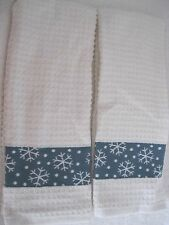 PAIR OF CHRISTMAS KITCHEN TOWELS WITH SNOWFLAKES