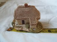"LILLIPUT LANE. ""clover cottage"" with box"