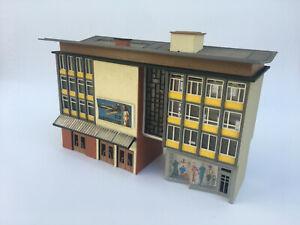 Rare - ho 1/87 Vintage Vollmer, Kibri ou Faller immeuble avec commerces, cinéma