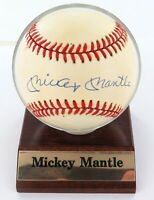 .MICKEY MANTLE HAND SIGNED AUTOGRAPHED RAWLINGS RO-A BASEBALL. 100% GENUINE.