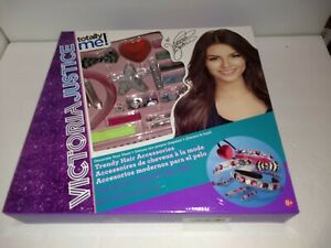 D10 Totally Me Victoria Justice Trendy Hair Accessories Toys R Us