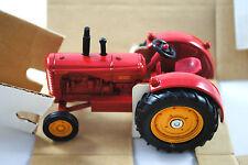 1:43 ERTL 1992 National Farm Toy Show Edition MASSEY HARRIS 55 Diesel Tractor