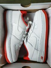 """Nike Air Force 1 grade-school """"Blanco Rojo Universitario"""" (CD6915-101) - tamaños 5-6"""