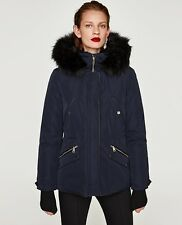 ZARA NEW AW 2018. NAVY PARKA WITH TEXTURED HOOD WITH FUR. REF 0518/242