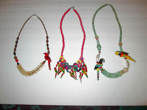 3X Lot TROPICAL PARROTS Statement NECKLACES Hand Painted WOOD CARVED Beads SHELL
