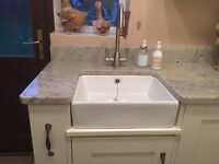 Small Farmhouse Gloss White Ceramic Belfast Butler Kitchen Sink and utility room