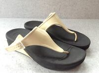 FITFLOP Womens Size 7 Black Flip Flop Sandals White Rubber Adjustable Strap