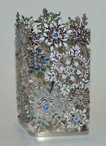 BATH & BODY WORKS BLUE WHITE SNOWFLAKES GENTLE FOAMING HAND SOAP SLEEVE HOLDER