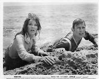 """Michael York, Elke Sommer """"Zeppelin"""" - Movie Still"""